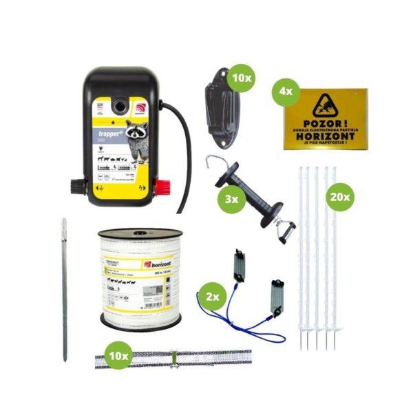 Na sliki so električni pastir Horizont Trapper N45, izolator, palice, pocinkana palica, povezovalni kabel za trak, vez, opozorilna tablica in ročka.